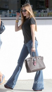 Sofia-Vergara-in-Flare-Jeans-and-Hermes-Bag-In-Beverly-Hills