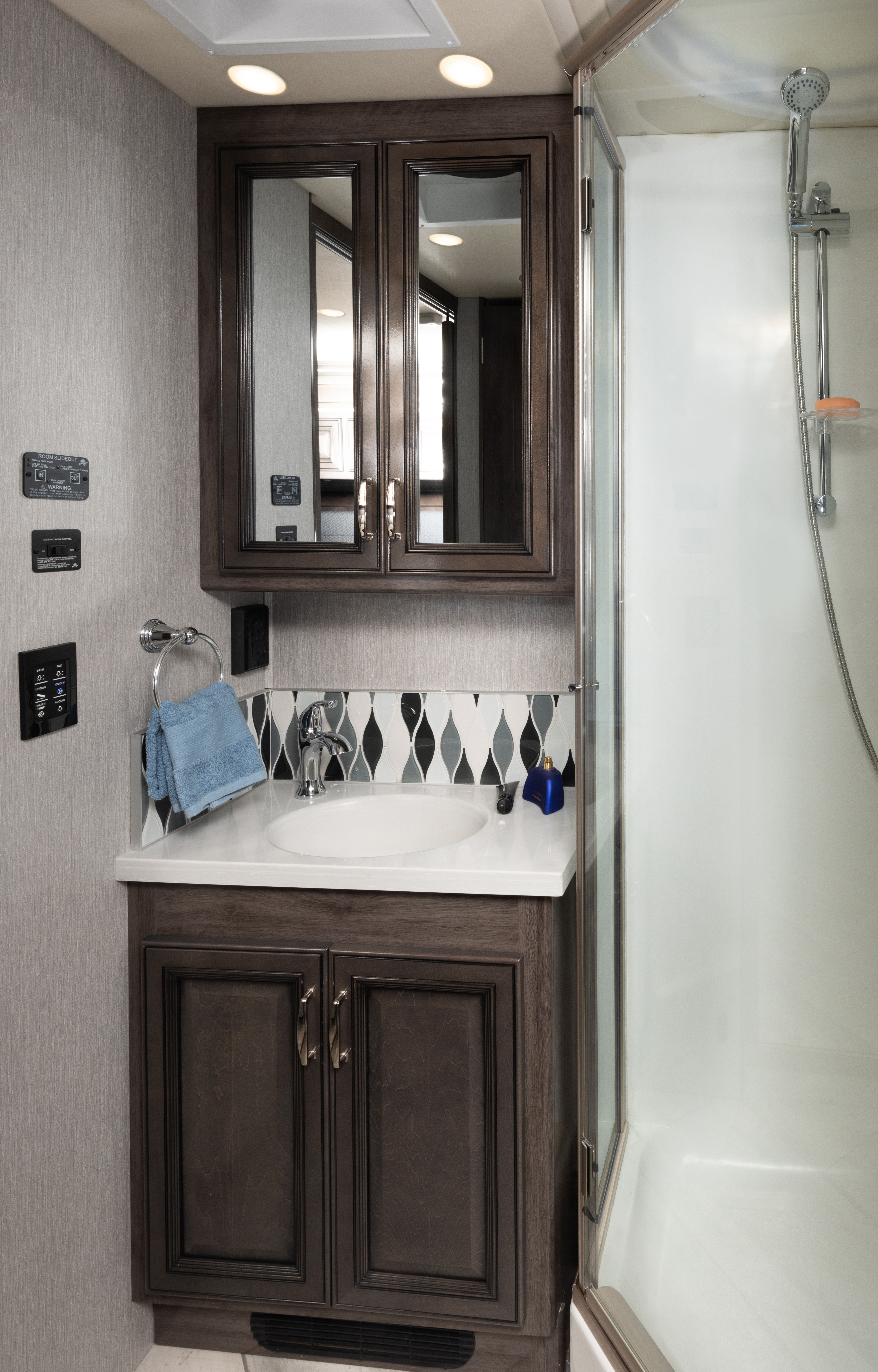 Discovery 36Q Enclave Decor with Greystone Cabinetry