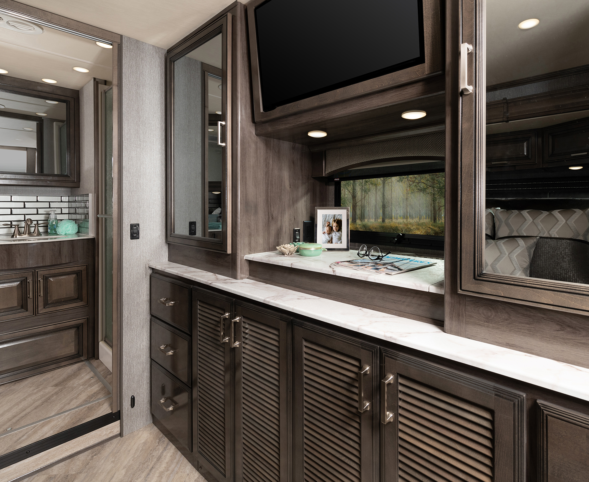 Pace Arrow 36U Alloy Decor with Greystone Cabinetry