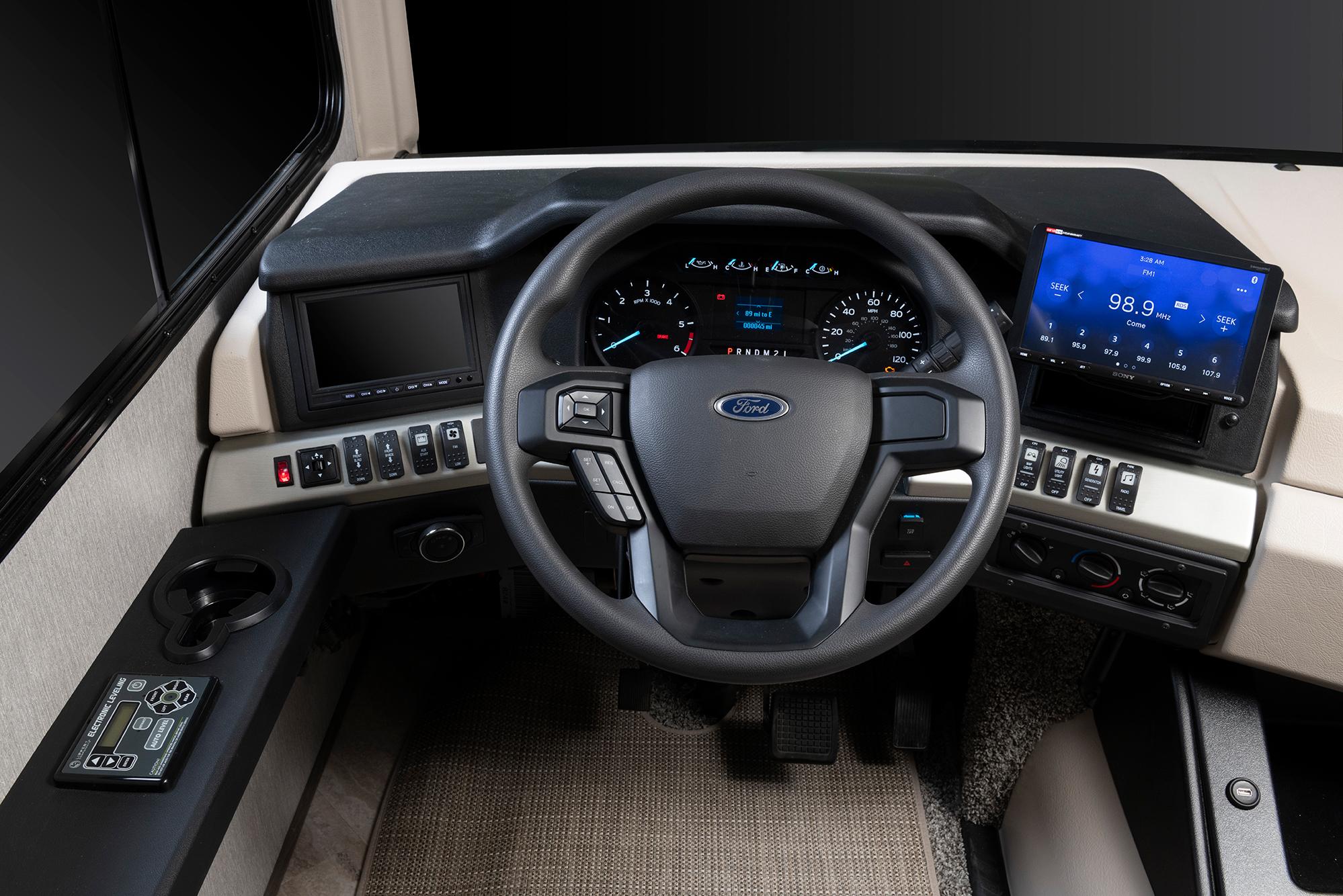 2021 Bounder - Ford F53 V8