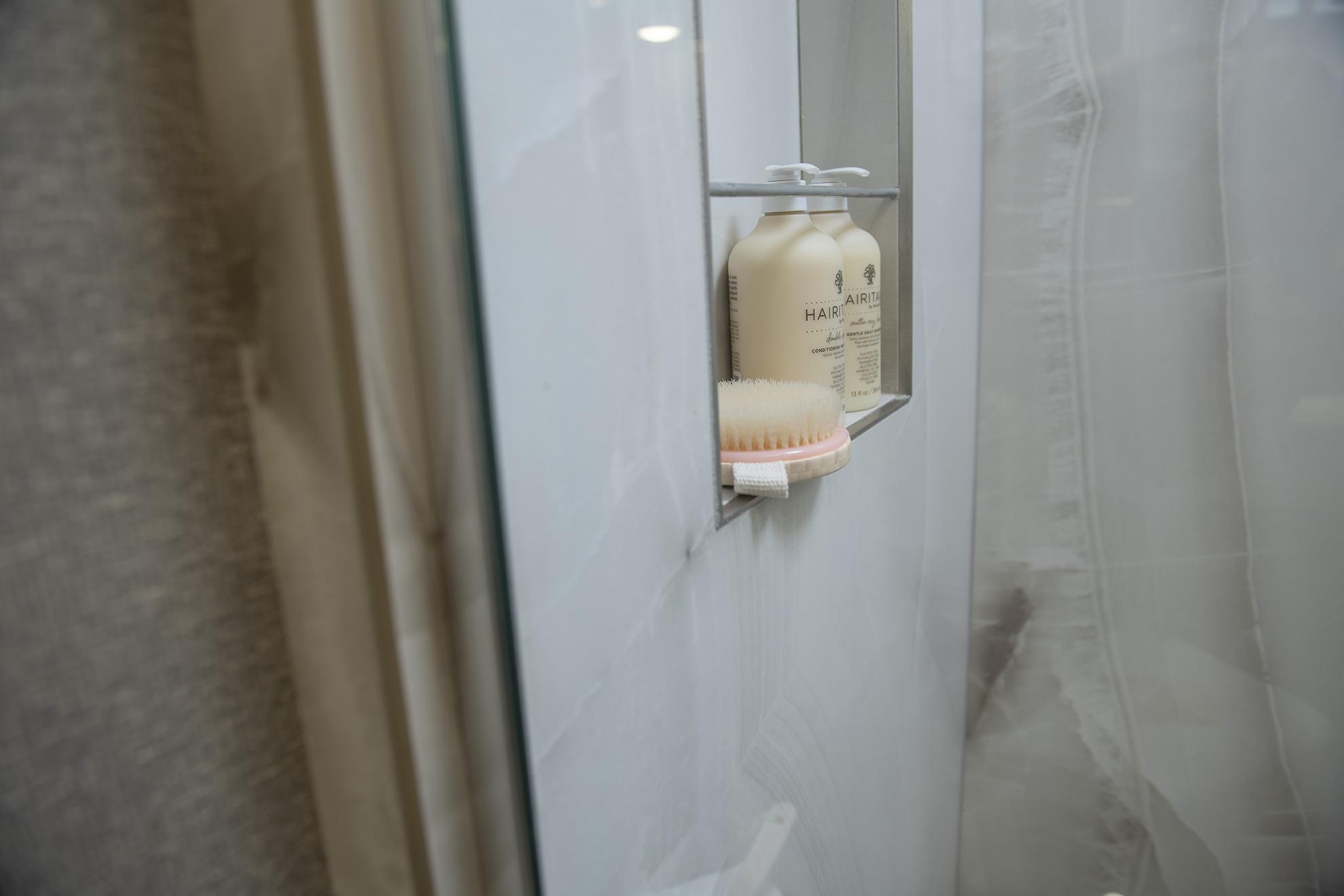 13 eagle45 K spalike shower2160