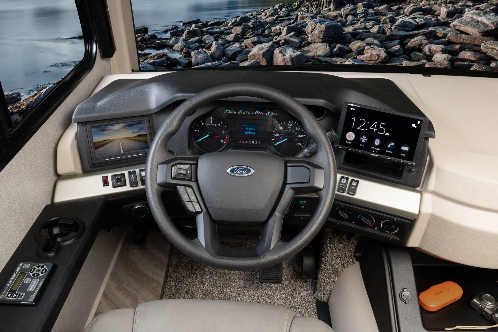 2021 Fortis - Ford F53 V8, 350HP