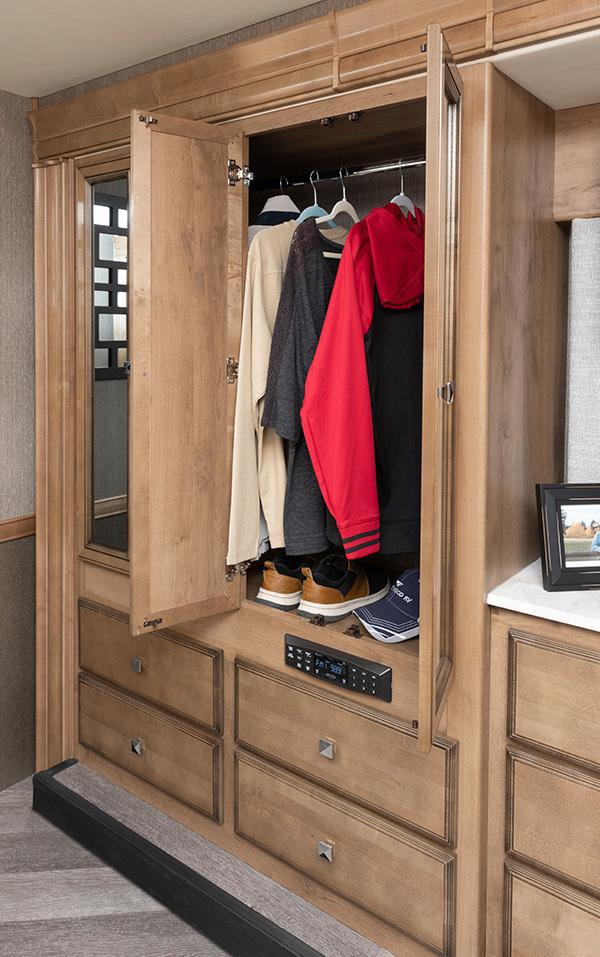 15 wardrobe33 HB Santorini Capwood Fortis MY26417