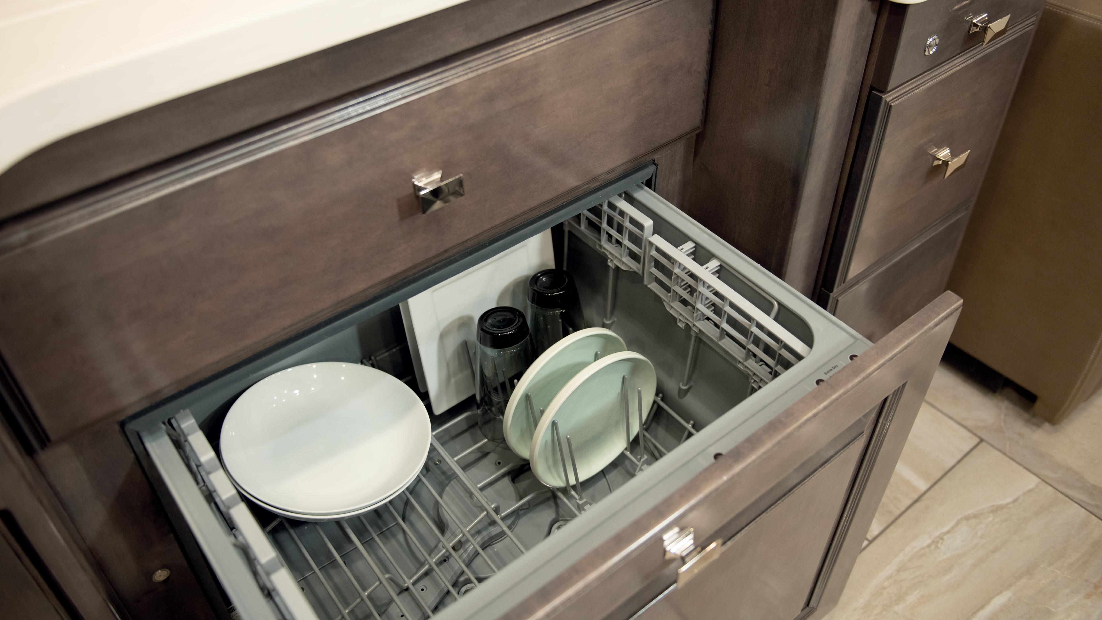 17 Dishwasher2 Tradition42 V Salted Caramel SB Cab MY21