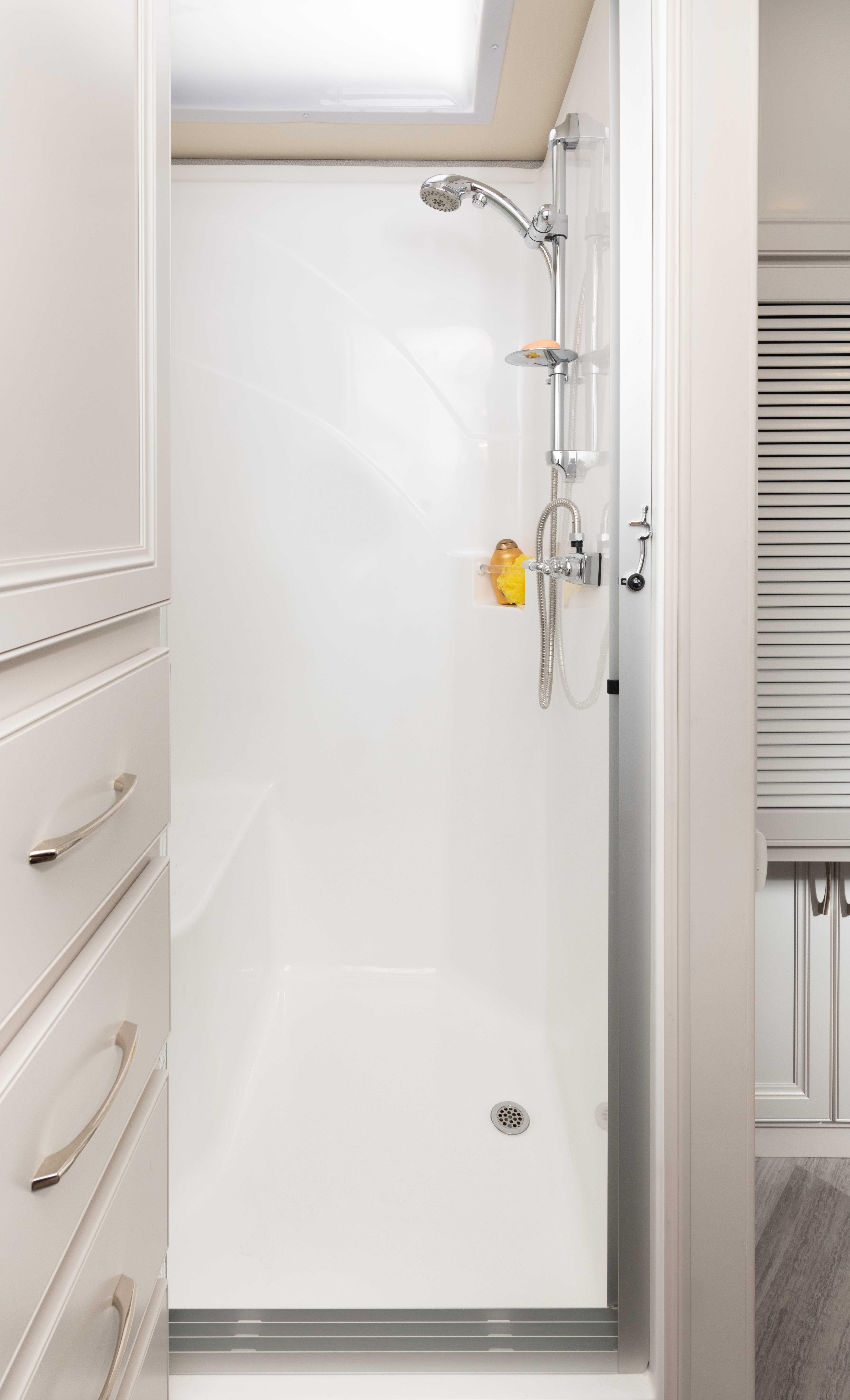 17 shower master SW35 K Guinness SA MY22 7346