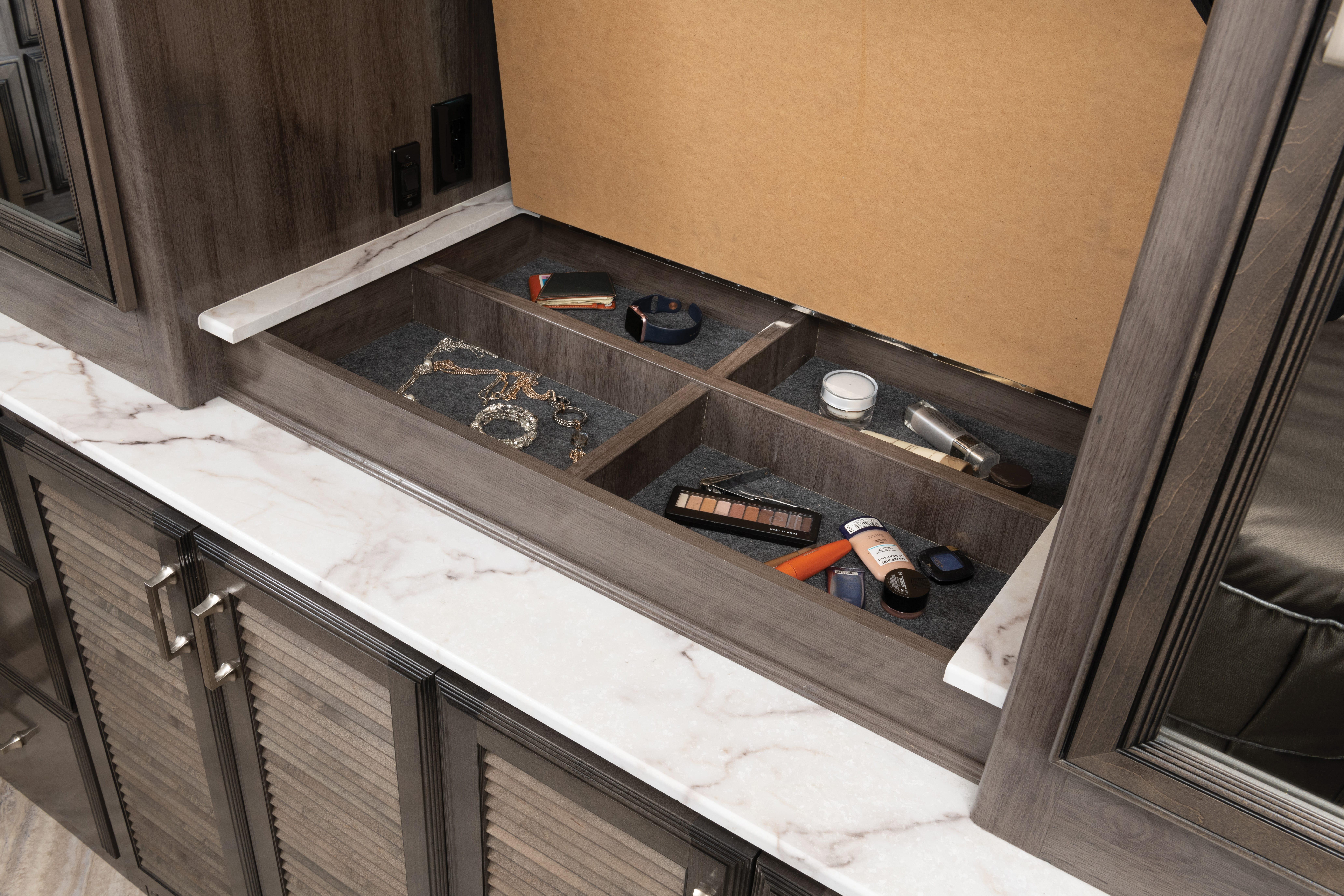 18 dressercaddy 36 U PA alloy Greystone2252