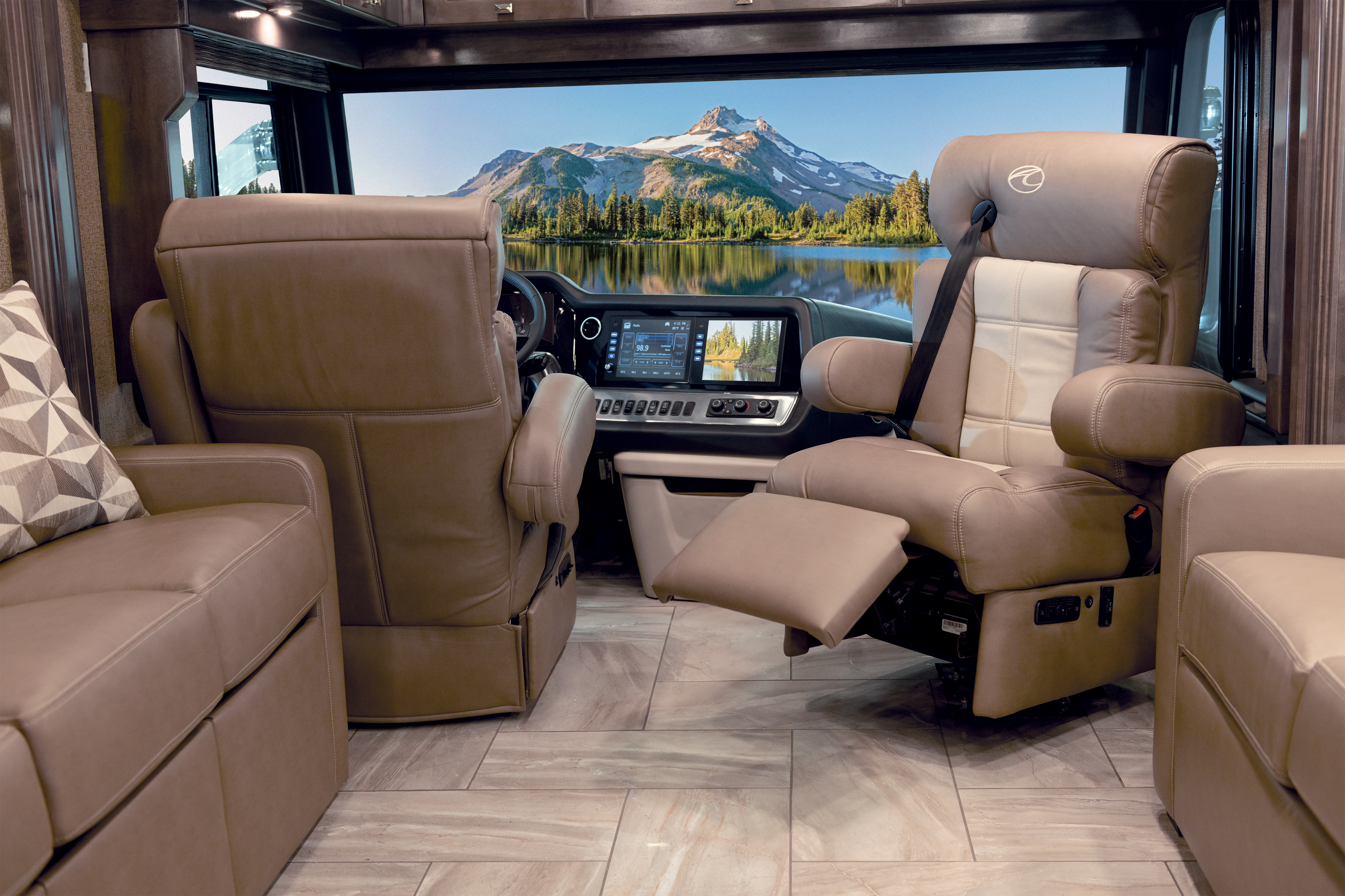18 seating Front Footrest Out Tradition42 V Salted Caramel SB Cab MY21