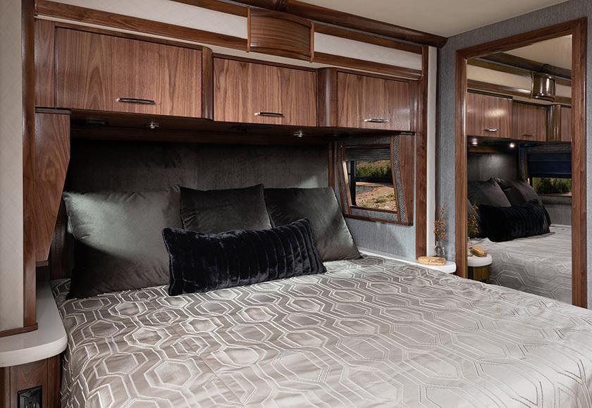 19 mast BED INSPIRATION 45 K Eagleblkwal4935
