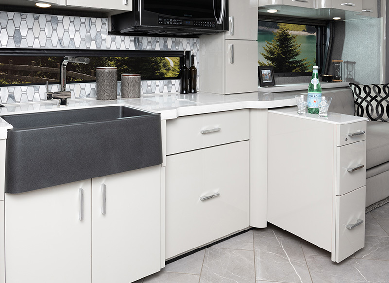 American Eagle 45G shown in Destination interior decor with Mindful Grey solid wood cabinetry