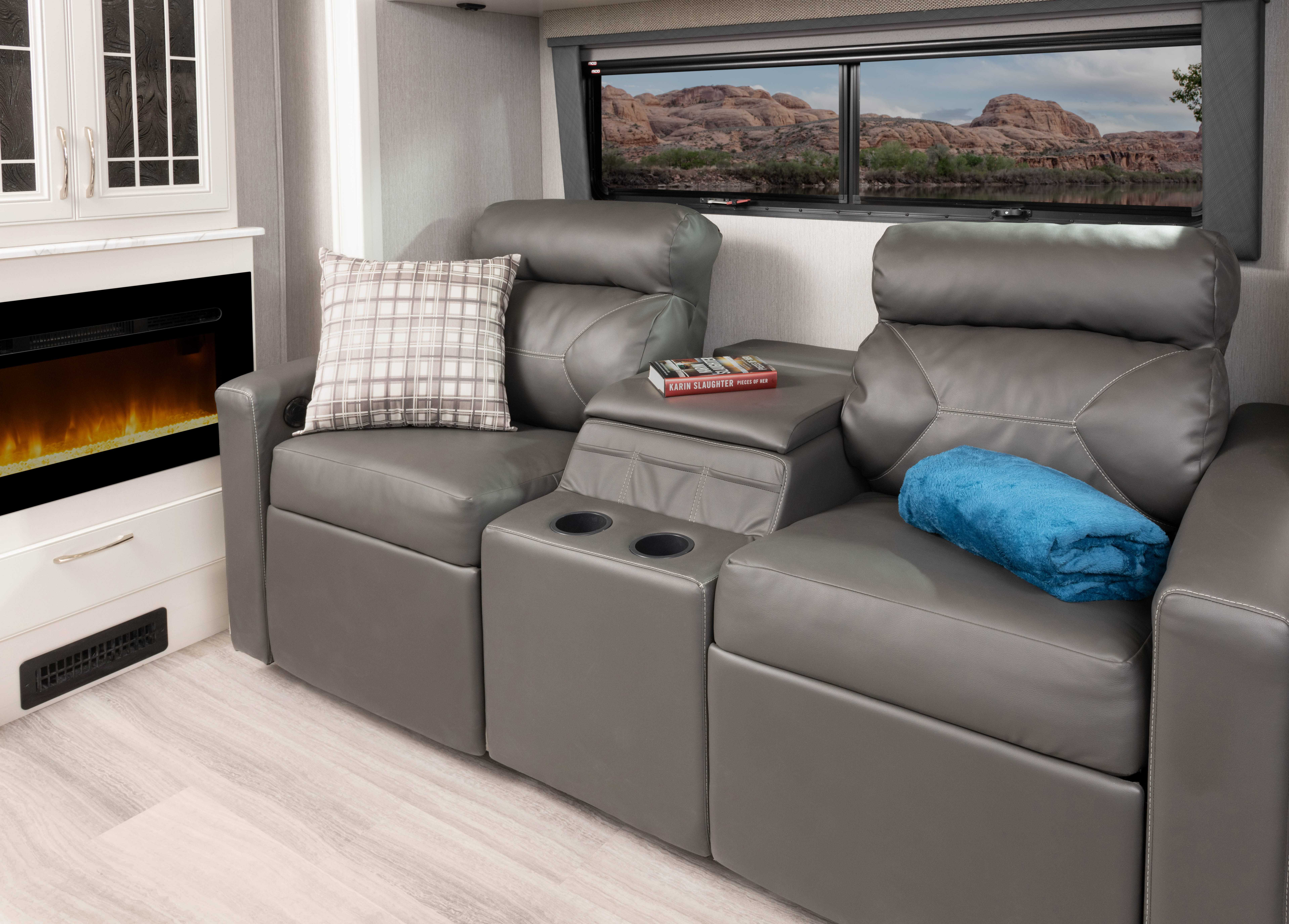 2 theatreseat Frontier34 GT Alloy Heritage1434 closed MY22