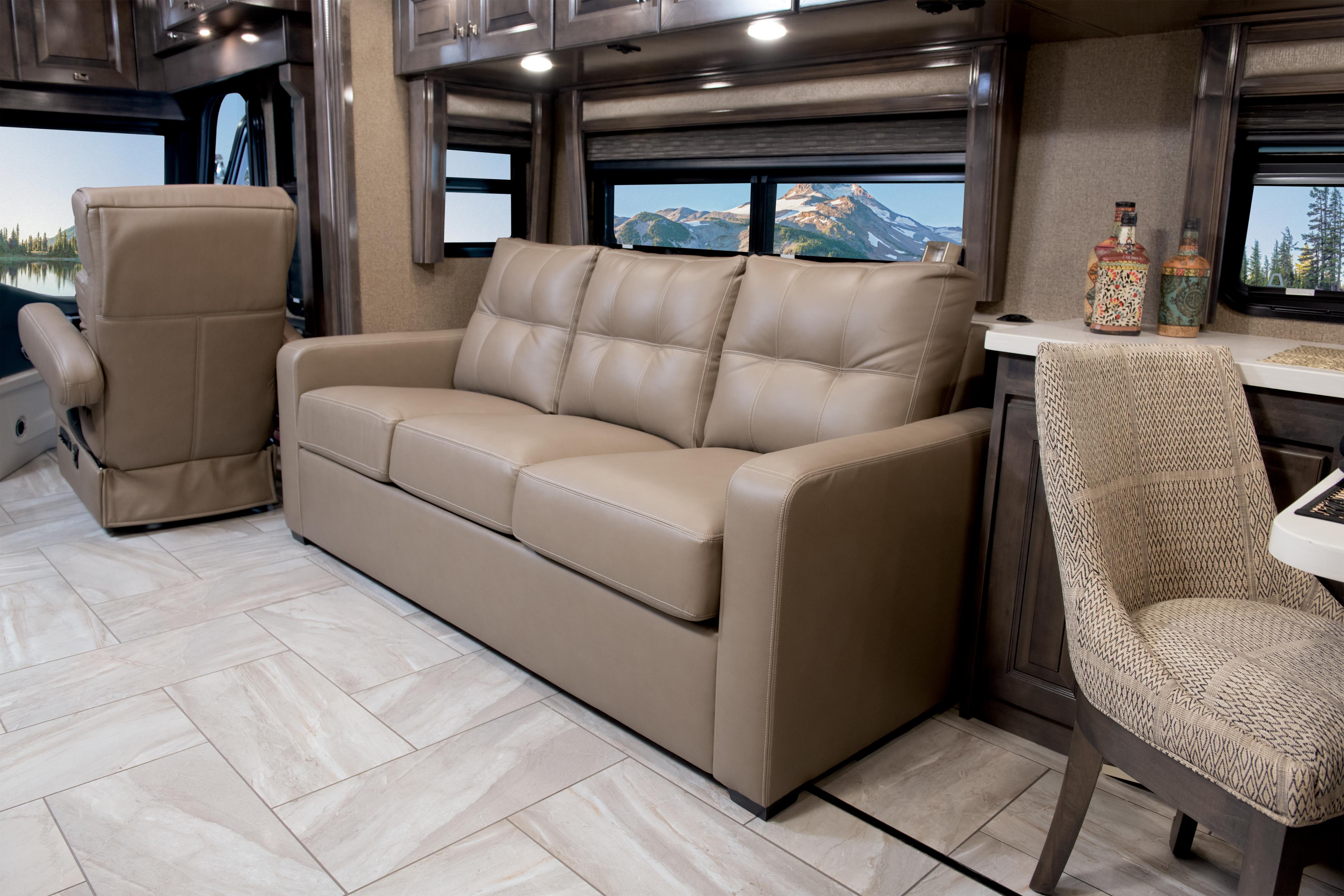 3 Sofa Passenger Tradition42 V Salted Caramel SB Cab MY21