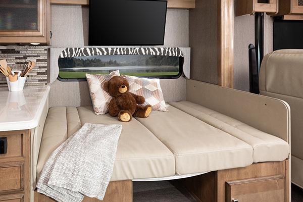 3 dinette33 HB Santorini Capwood Fortis MY26258 bed