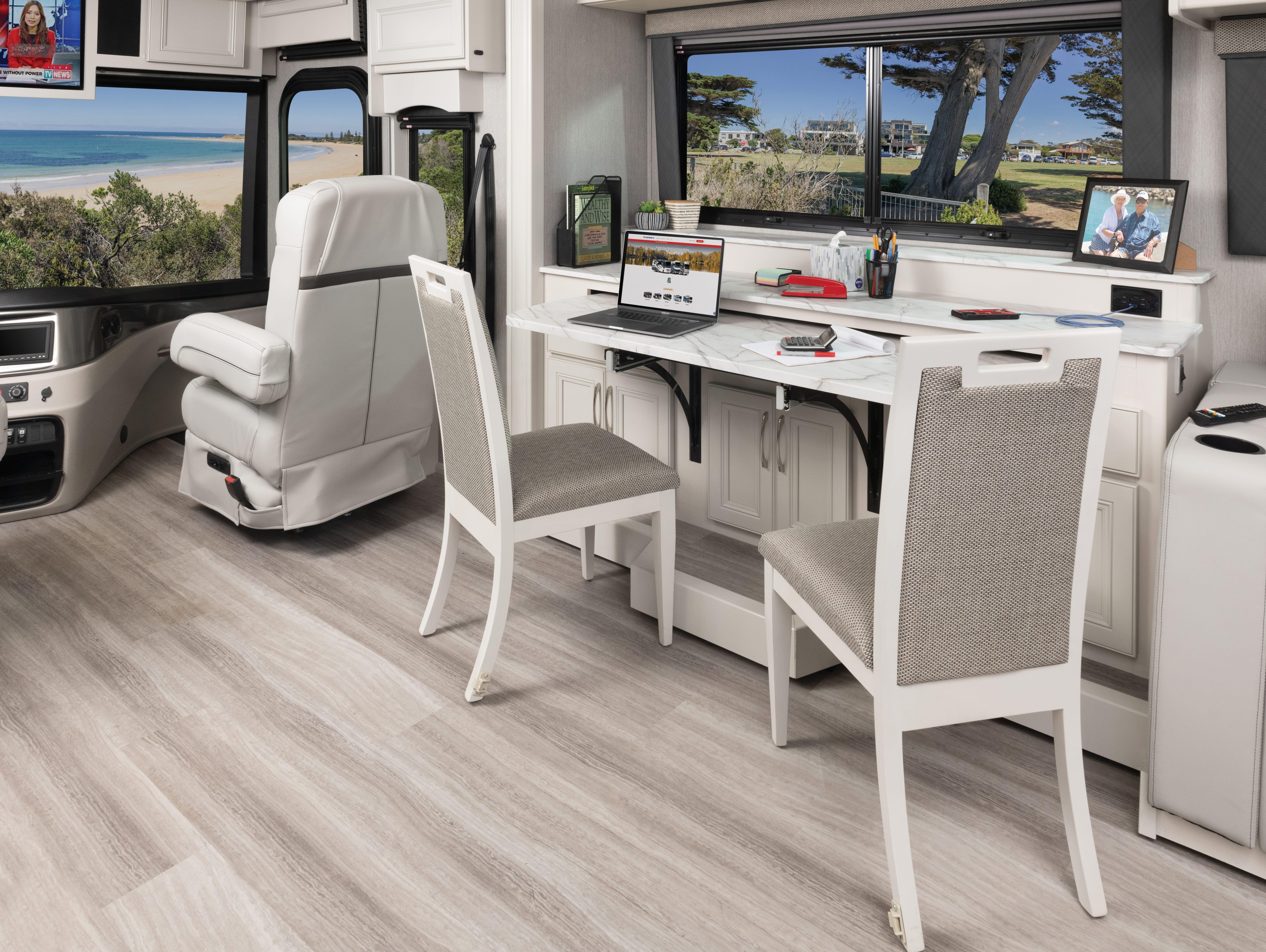 4 adaptable Frontier33 SS anchor heri MY22 3981 desk