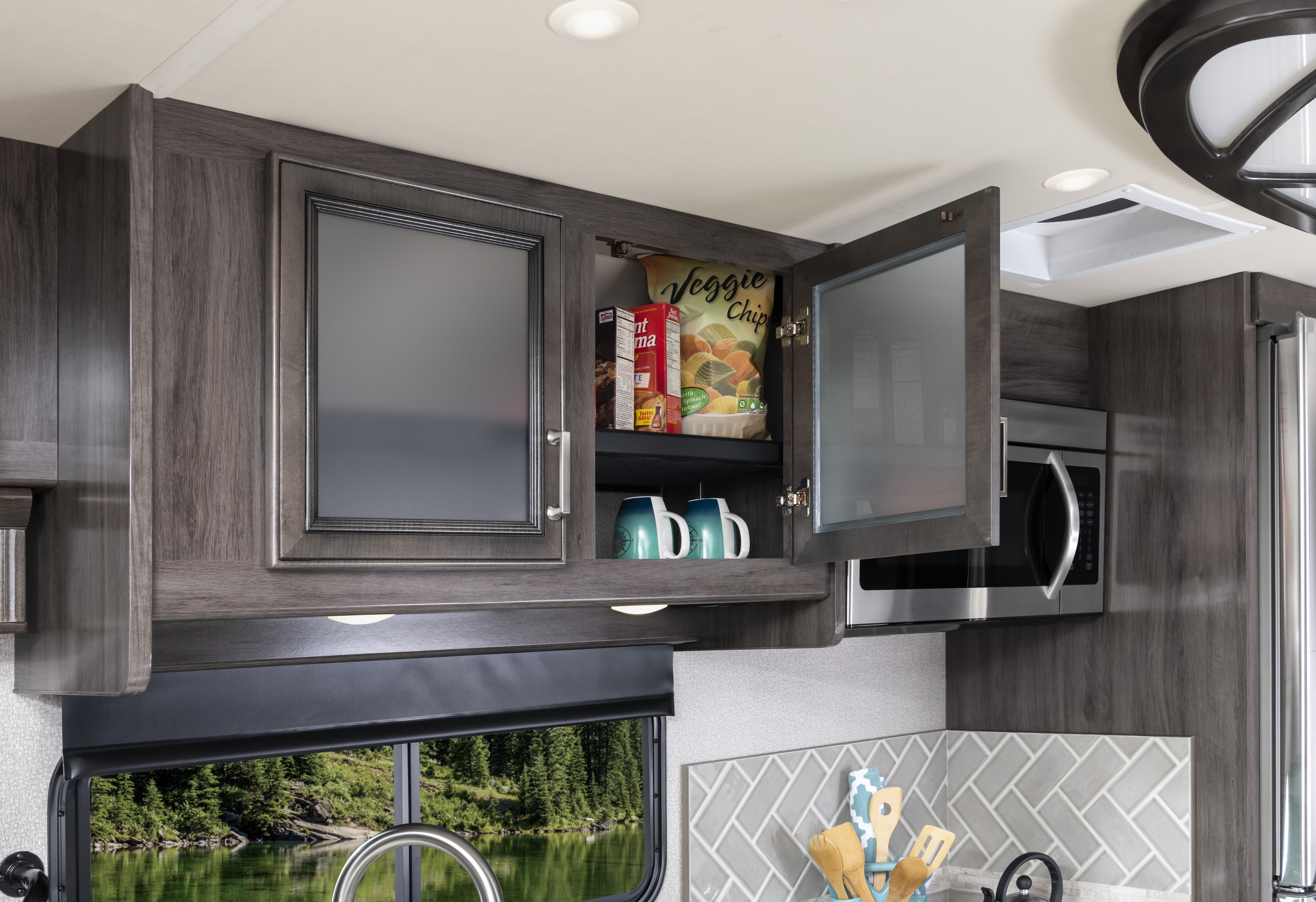 Southwind 37F Peppercorn Decor with Greystone Cabinetry