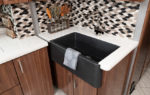 14 farmhousesink Eagle45 K INSPIRATION blk Wal4886 open