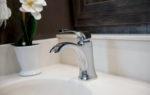 MB Faucet Backsplash Tradition42 V Salted Caramel SB Cab MY21