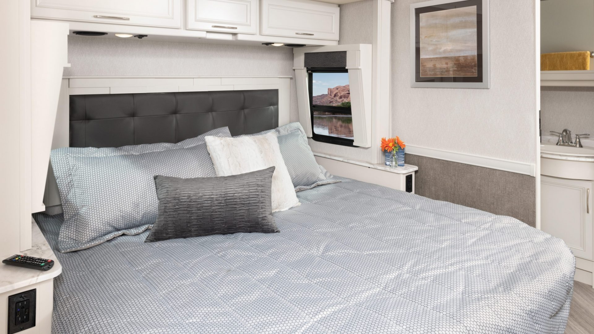 14 masterbed SW35 K Guinness SA MY22 7289