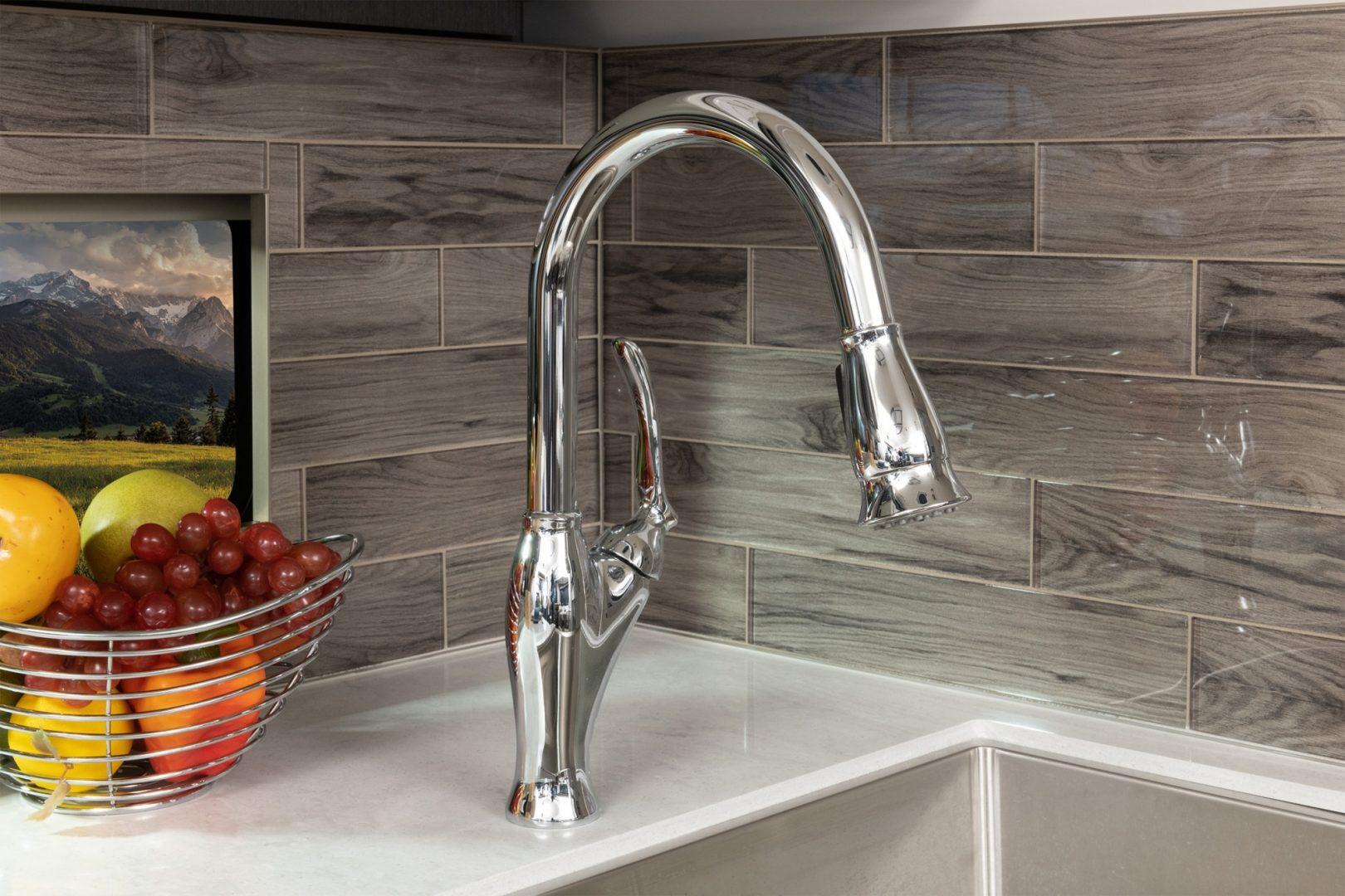 11 faucet Galley Armada40 M Savannah Summit Ash 8154 MY22