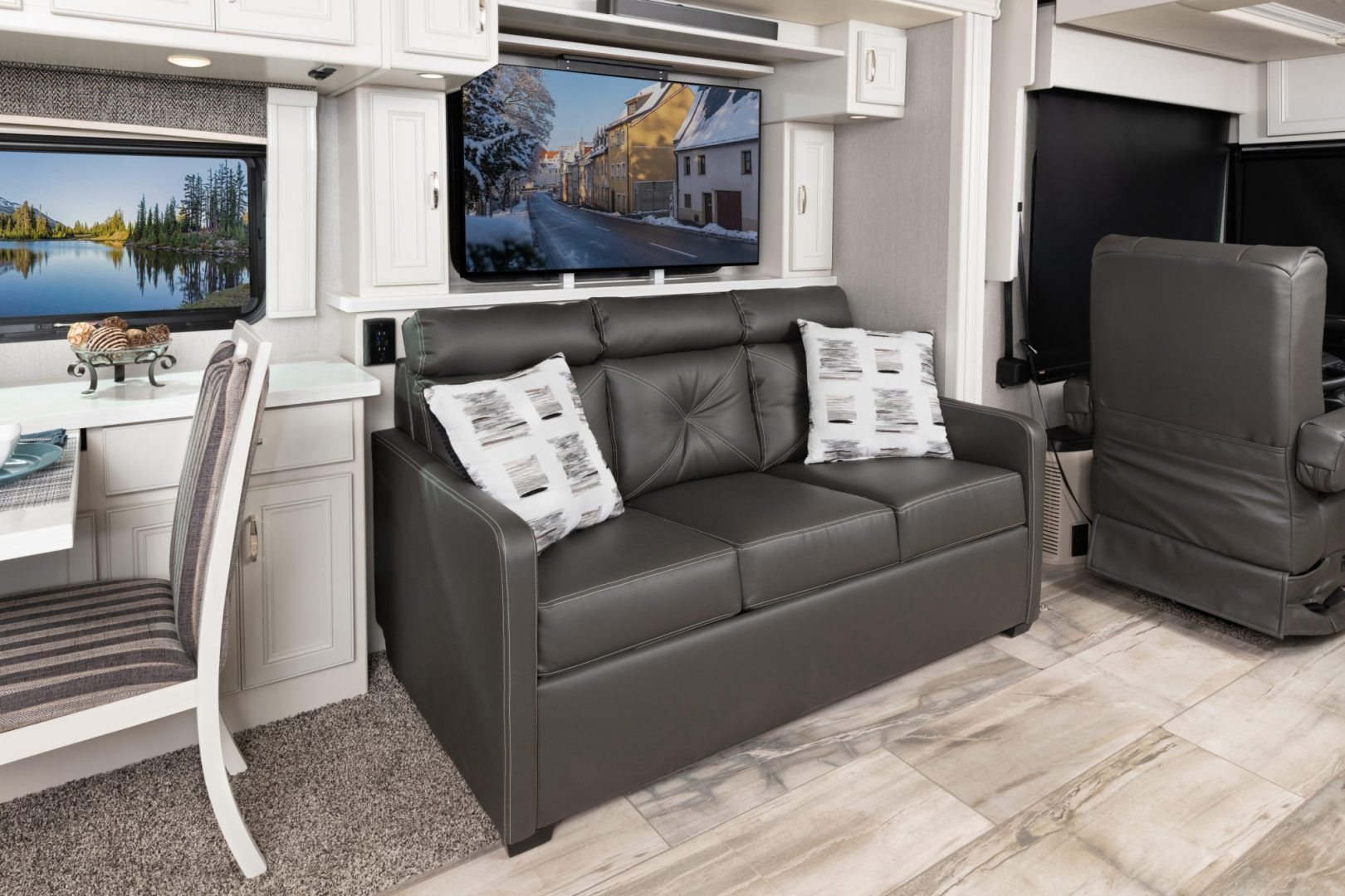 5 sofa TV Endeavor38 W Savan Fossil MY22 8623