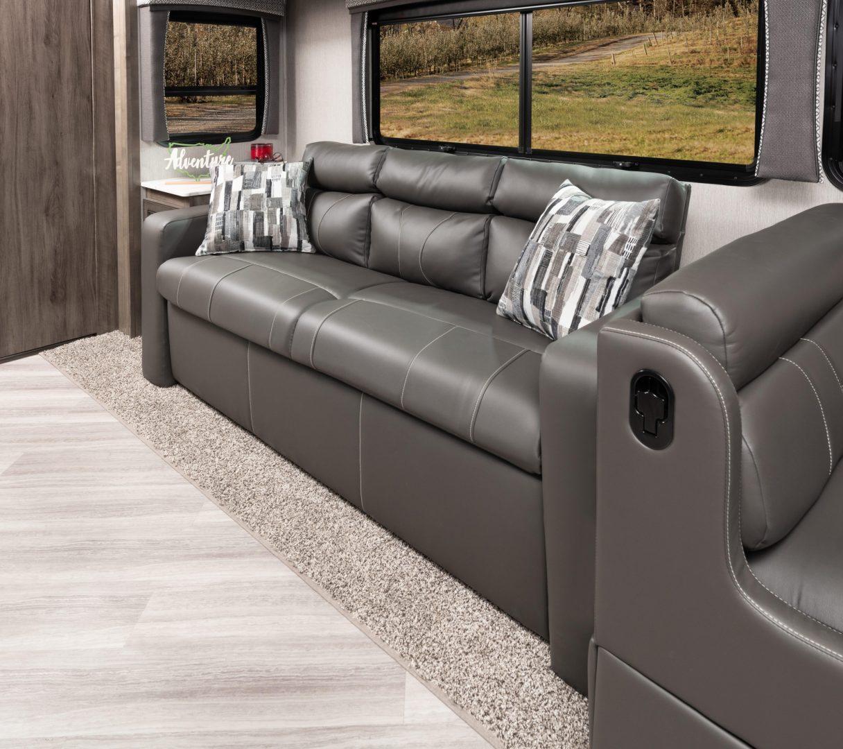 9 sofa VAC33 C moonscape WW MY22 5335