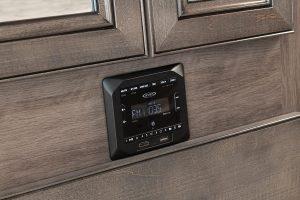 11 bedroom stereo Invicta33 HB capri WW MY21 5150